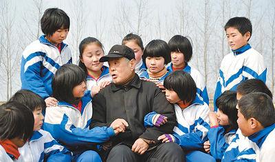雷锋战友刘成德:雷锋学他一次 他学雷锋一辈子
