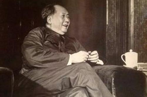 都知道毛主席爱抽烟 但毛主席还有一个惊人的爱好