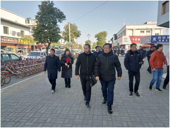 江西南昌洪城商圈开展清洁家园优化环境迎新春行动