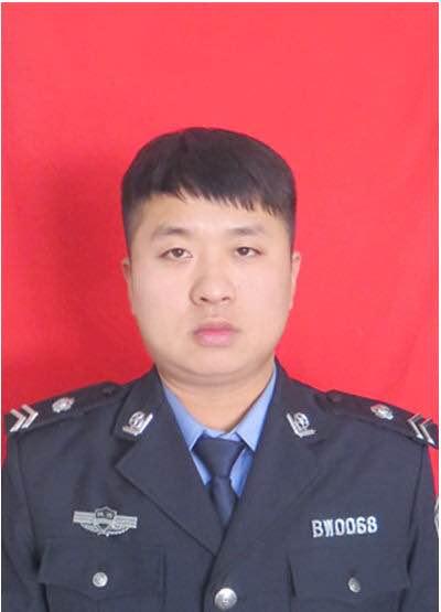 杨张健:好保安生死竞速五秒钟救出同事