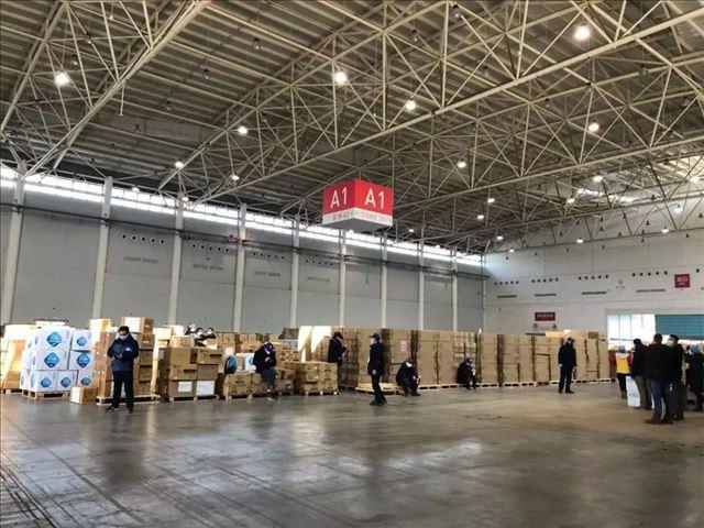 捐那么多为啥还缺?记者探访武汉红会仓库