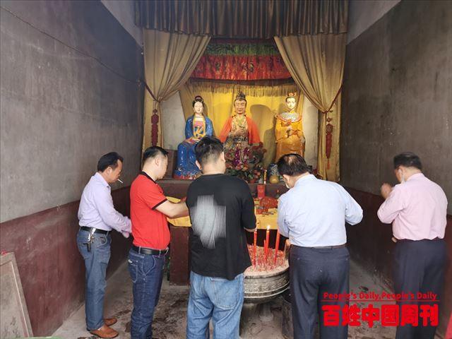 祭祖不忘抗疫:广西骆越文化研究会举行脱口罩和赠送防疫茶仪式