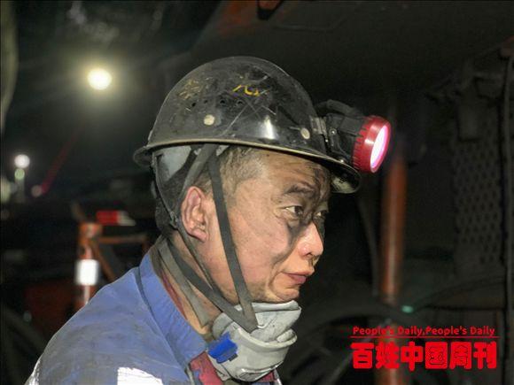 云南省大关县:党旗引领 爱国卫生运动师生坚持行动