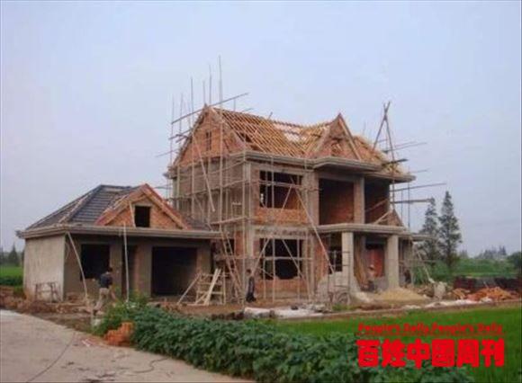 农村自建房不批,翻建老房也不允许,这合规吗?